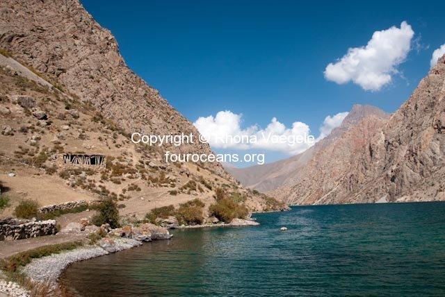 2009_10_03-marguzor-lakes-74.jpg